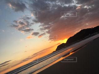 素敵な夕陽の写真・画像素材[1584523]