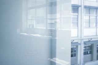 ガラスのドアの写真・画像素材[1333402]