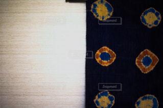 バック グラウンドでの時計塔の写真・画像素材[1822366]