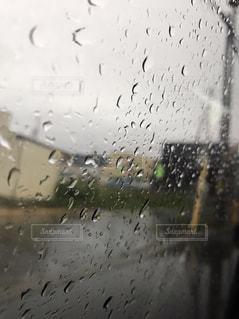 雨の日のドライブの写真・画像素材[1393877]