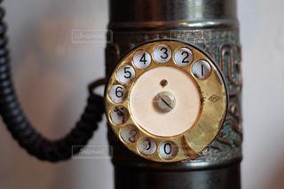 ダイヤル式アンティーク電話の写真・画像素材[1658767]