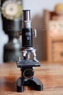 アンティーク顕微鏡の写真・画像素材[1661545]