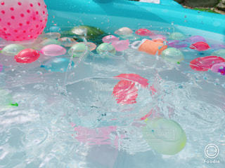 綺麗な水滴の写真・画像素材[1336148]