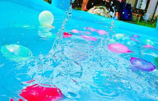 水風船と水滴💧の写真・画像素材[1385941]