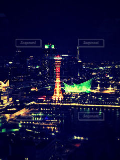 夜の街の景色の写真・画像素材[1378204]