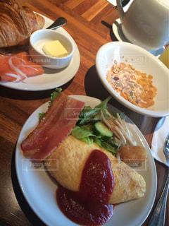 ホテルの朝食の写真・画像素材[1345494]