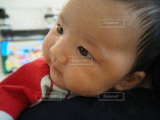 赤ちゃんのアップの写真・画像素材[1333342]