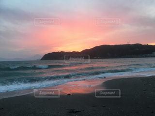 沈む夕日の写真・画像素材[1336865]