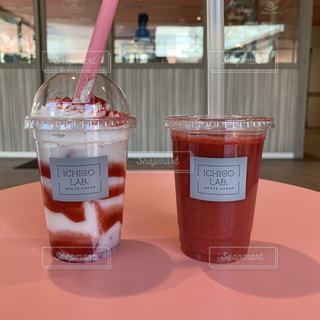 苺スムージーと苺ミルクの写真・画像素材[1841869]