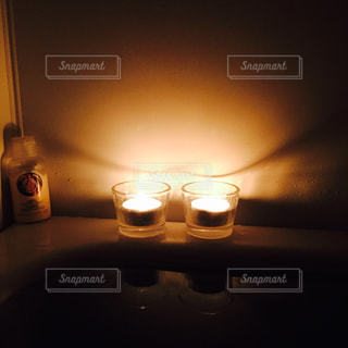 お風呂でキャンドルの写真・画像素材[1350111]