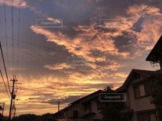 台風前の夕日の写真・画像素材[1337007]