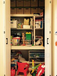 子供部屋のクローゼットの写真・画像素材[1352882]