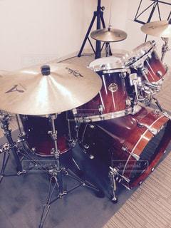 ドラムセットの写真・画像素材[1383825]