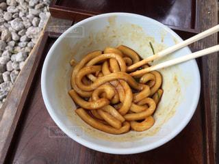 食べかけの伊勢うどんの写真・画像素材[1332366]