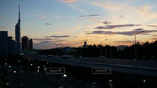 夕暮れ時の福岡タワーの景色の写真・画像素材[1335413]