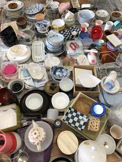 食器棚の中の食器全部の写真・画像素材[1337824]