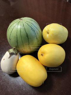 柔らかな色合いの夏野菜達の写真・画像素材[1365673]