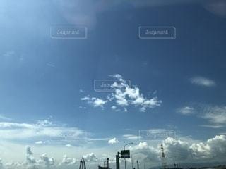 夏の青空の写真・画像素材[1377825]