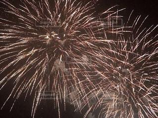空に花火の写真・画像素材[1380663]