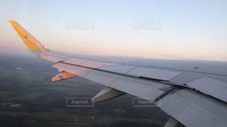 飛行機の中からの空の写真・画像素材[1336988]