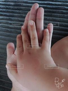 手と手の写真・画像素材[1382434]