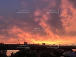船から見る夕焼け空の写真・画像素材[1338454]
