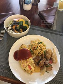 ワンプレート朝食の写真・画像素材[1515653]