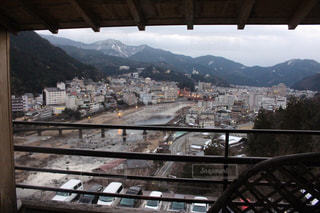 温泉旅館の部屋からの眺めの写真・画像素材[1521978]