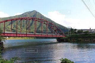 長野県で撮影した山と川と橋の写真・画像素材[1559602]