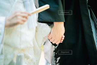 白無垢と紋付袴の写真・画像素材[1590379]