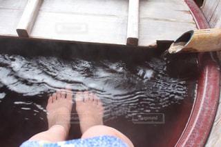 露天風呂付きの温泉旅館客室の写真・画像素材[1598617]