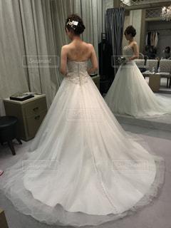 ウェディングドレスを着た女性の写真・画像素材[1625335]