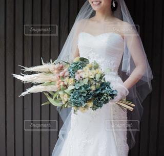 ウェディングドレスを着た女性の写真・画像素材[1634714]