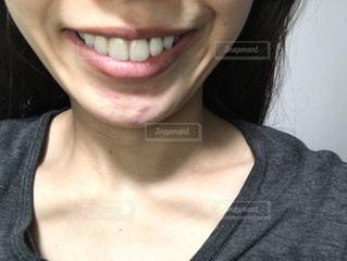 女性の口元の写真・画像素材[1641561]