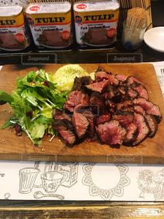塊肉のステーキの写真・画像素材[1648771]