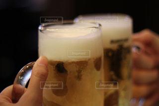 生ビールで乾杯の写真・画像素材[1658714]