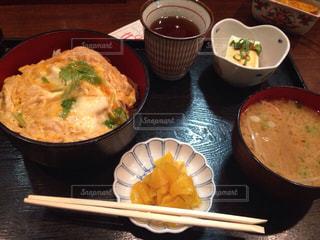 ワンコイン カツ丼定食の写真・画像素材[1674271]