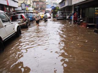 雨季のインド コルカタの写真・画像素材[1691642]