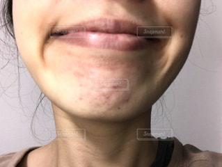女性の口元の写真・画像素材[1848455]