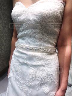 ウェディングドレスを着ている女性の写真・画像素材[1864976]