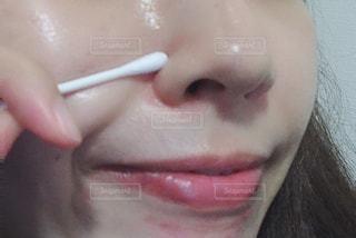 小鼻のスキンケアの写真・画像素材[2272825]
