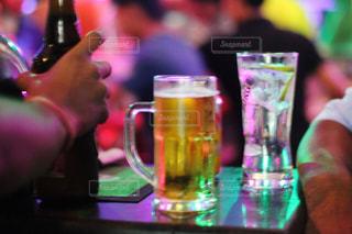 バーでアルコールの写真・画像素材[2413229]