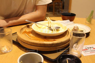 食後のテーブルの写真・画像素材[2502221]