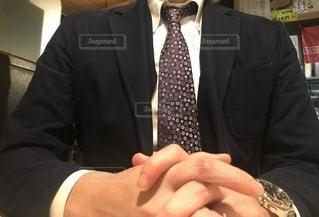 スーツを着た男性の写真・画像素材[2727951]