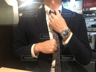 スーツを着た男性の写真・画像素材[2727968]