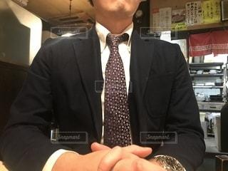 スーツを着た男性の写真・画像素材[2727970]
