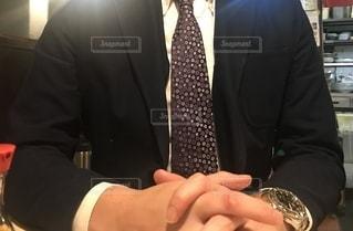 スーツを着た男性の写真・画像素材[2727971]