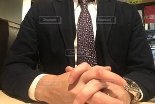 スーツを着た男性の写真・画像素材[2727972]