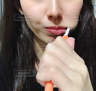 歯を磨く女性のクローズアップの写真・画像素材[2781913]