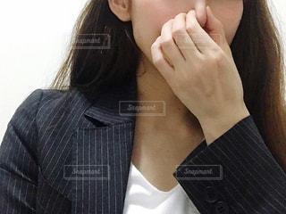 スーツを着た女性の写真・画像素材[3296909]